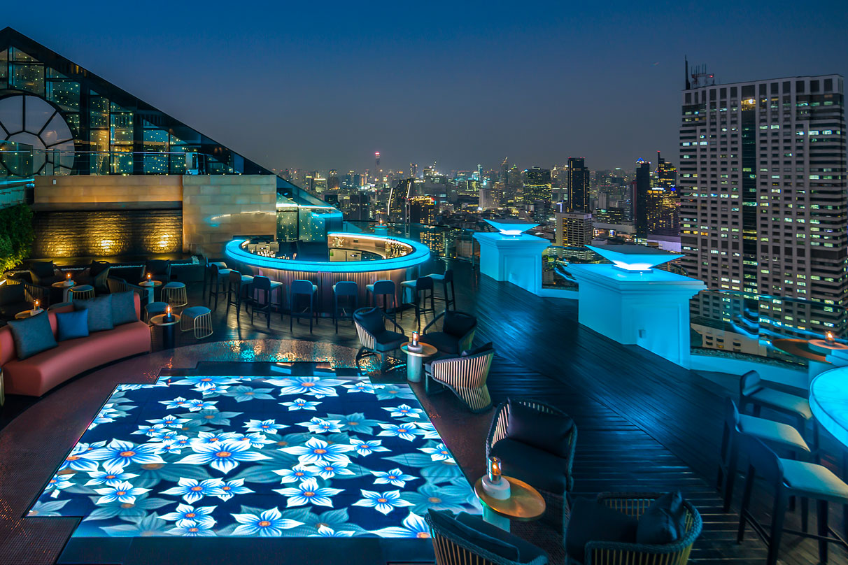 Breeze Bar, Bangkok, by dwp